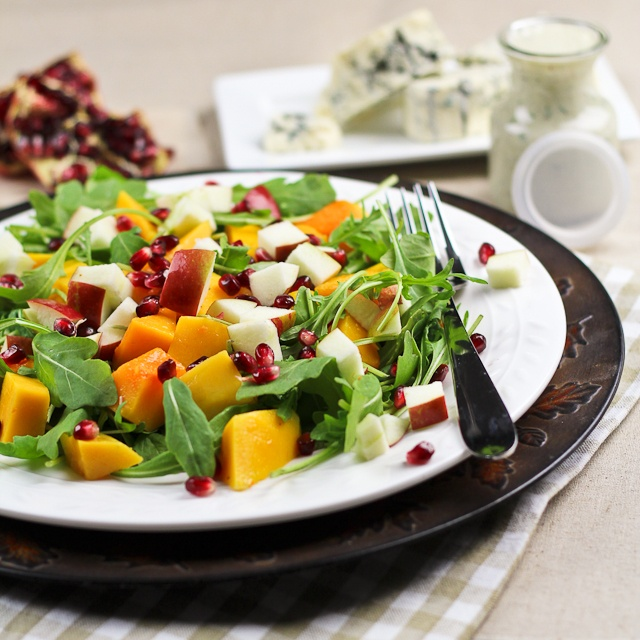 Butternut Squash & Apple Salad with Creamy Blue Cheese Dressing | Rec ...