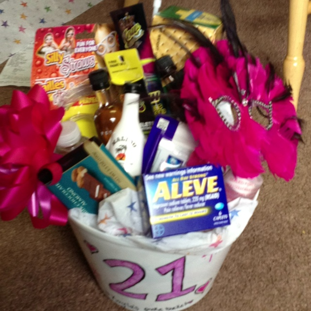 Birthday Gift Baskets : St birthday basket gift ideas