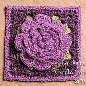 Crochet Rose Pattern Granny Square : Pin by Mina Soares on Crochet/Knit ~ squares/motifs ...