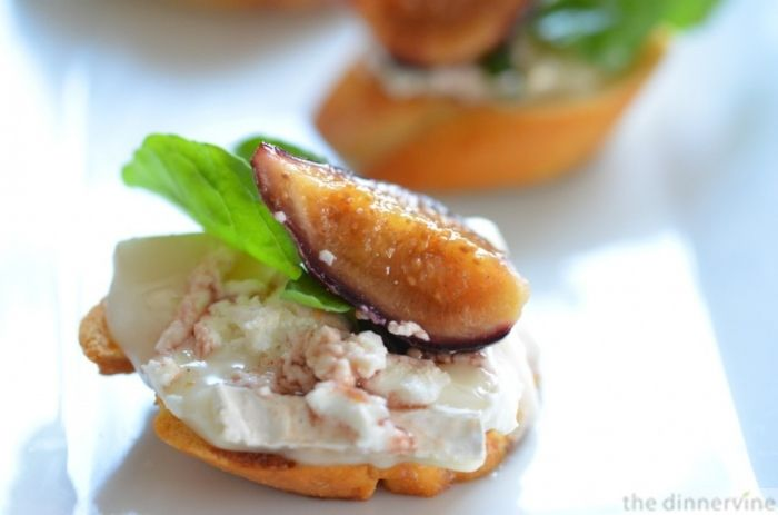 frosting pesto cheese crostini liptauer cheese crostini blue cheese ...