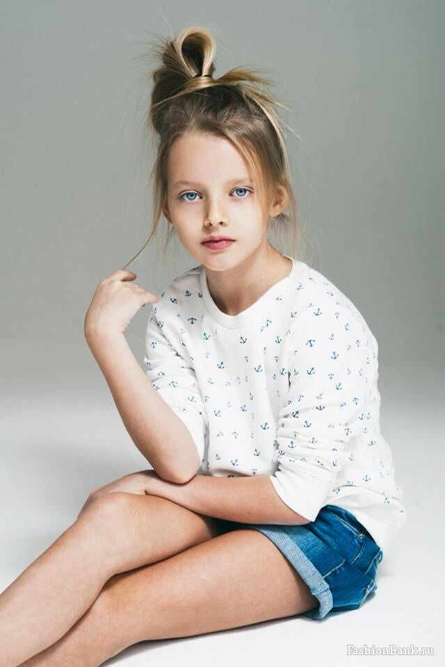 Evelina voznesenskaya young child model from moscow russia