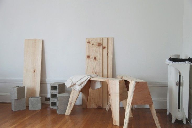 Sawhorse Table That Breaks Down Into A Simple Parts For Easy Storage