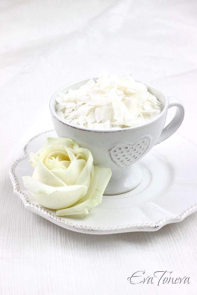 Coconut mousse ---10 g gelatin 400ml coconut milk 100 g sugar 2 egg ...