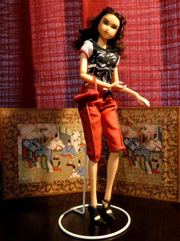 Momoko Doll...shopping