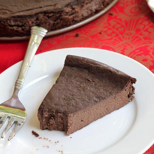 Chocolate Greek Yogurt Cheesecake | Cake | Pinterest