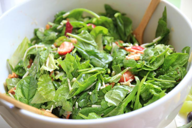 Spinach & Strawberry Salad with Walnuts | salads | Pinterest