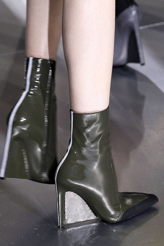 Watch The 6 Biggest Autumn Shoe Trends We Cant Get on Our Feet Quick Enough video