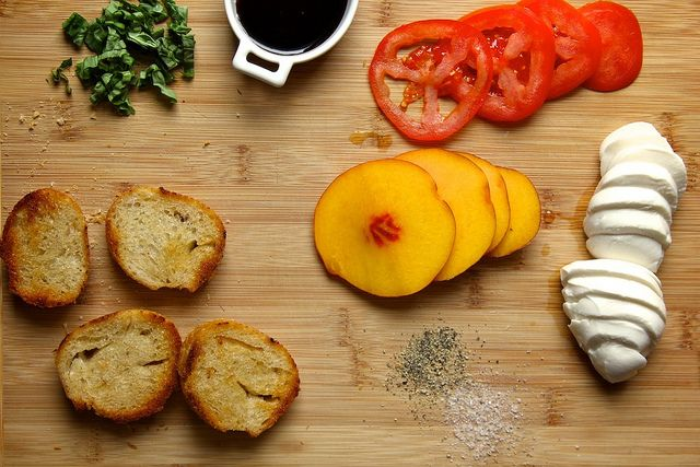 peach tomato and mozzarella crostini via joy the baker this looks ...