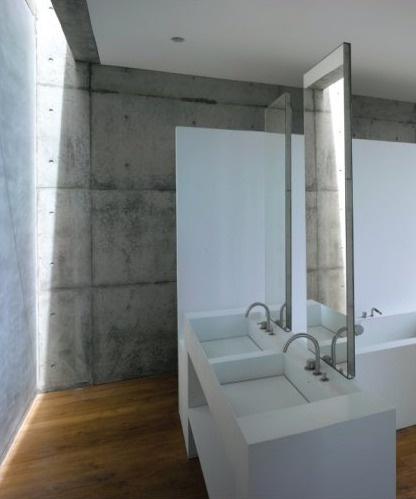 Bathroom of Cliff House by Tadao Ando.