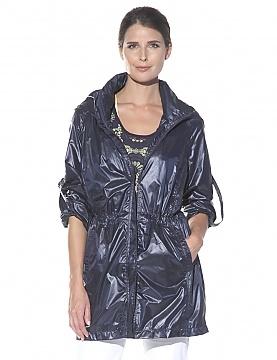Light Weight Wind Breaker Travel Jacket #travel #fashion #jacket