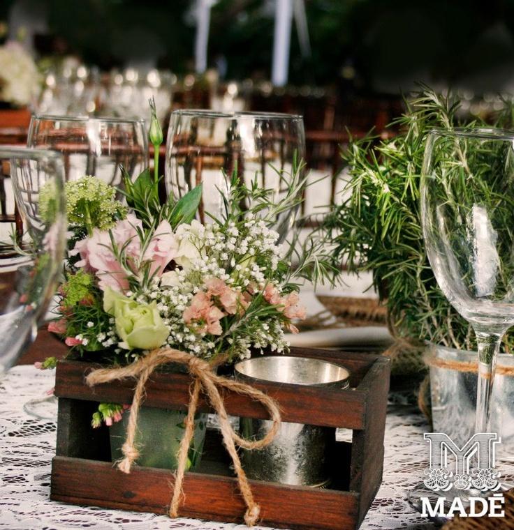 boda campestre vintages bajo plato wedding field