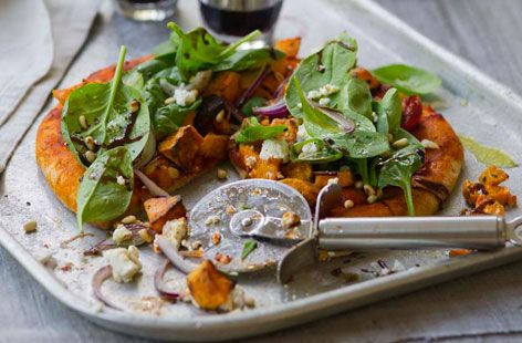 Sweet potato pizza with spinach (subst. feta for goats cheese)
