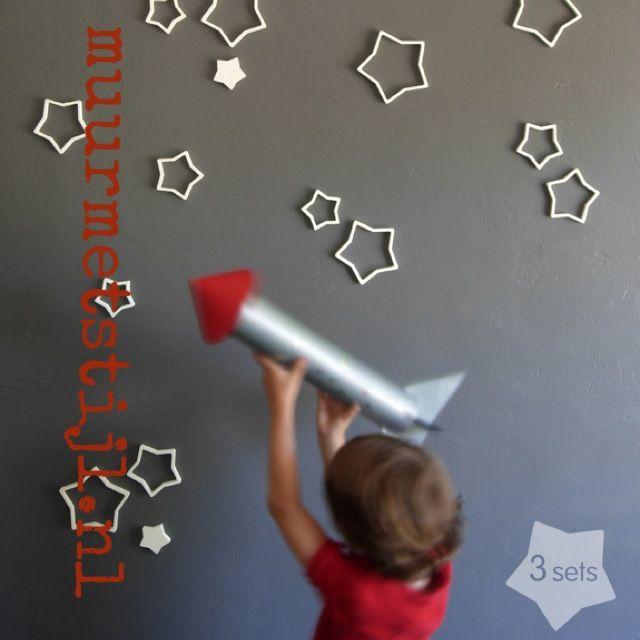 Leuk alternatief voor behang in de kinderkamer; een sterren muur ...