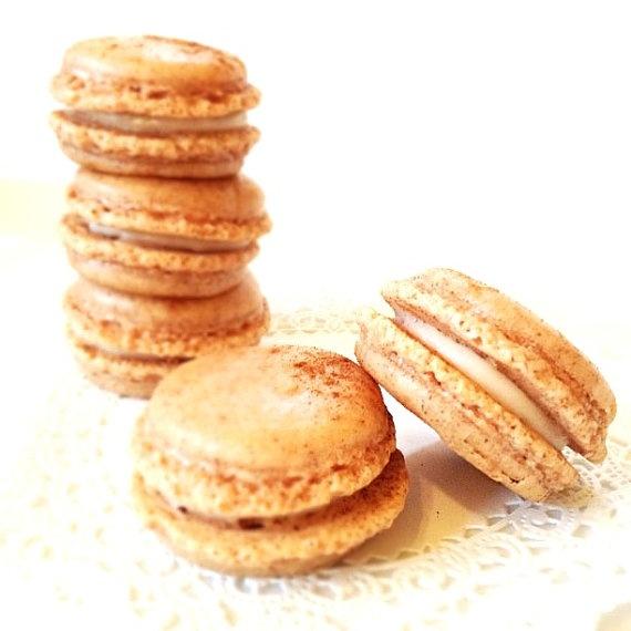 Pumpkin macarons! Pumpkin macarons! | Pumpkin Desserts (that aren't p ...