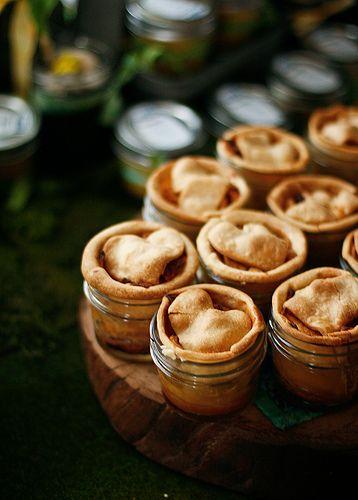 wedding food - tiny apple pies in mason jars!