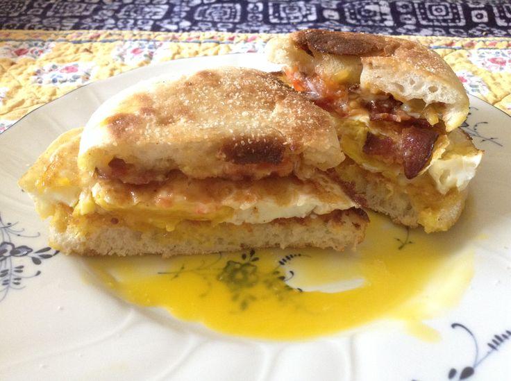 Better than McD's: easy-peasy fried egg sandwich - http ...