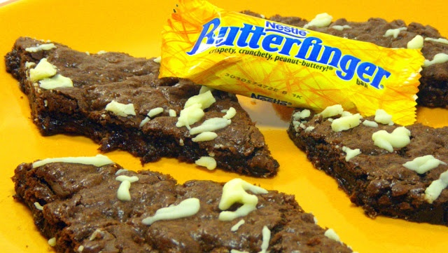 Butterfinger Brownie Bars (Chocolate Peanut Butter Cookie Bar)
