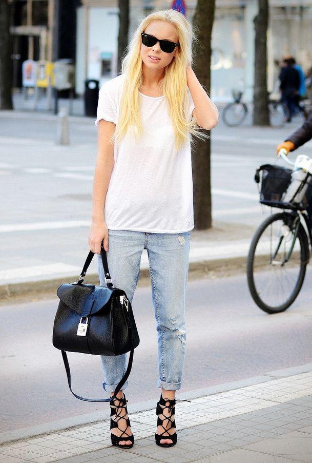 plain tshirt and heels
