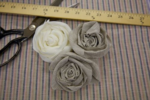 fabric rosettes - so pretty and super easy to make!
