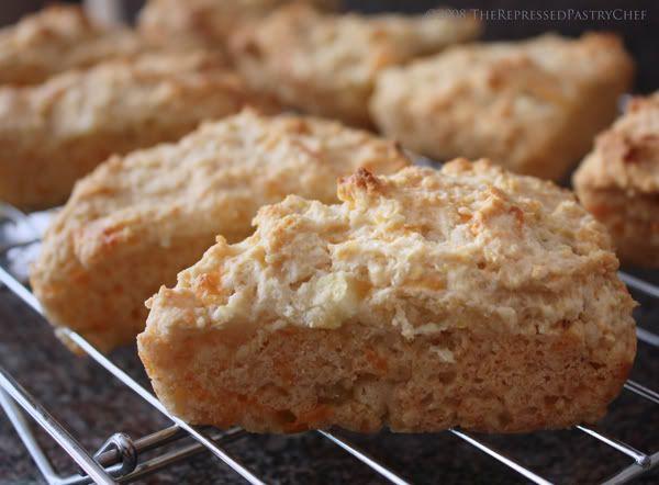 Apple Cheddar Scones | Bits and bites | Pinterest