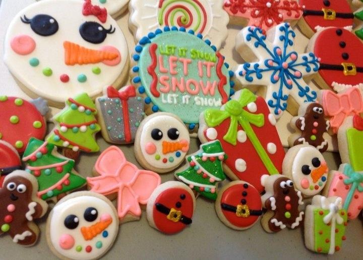 Snowman using circle cutter | Christmas Cookies | Pinterest