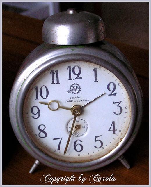 Wind up alarm clock...unplugged... | I love clocks | Pinterest