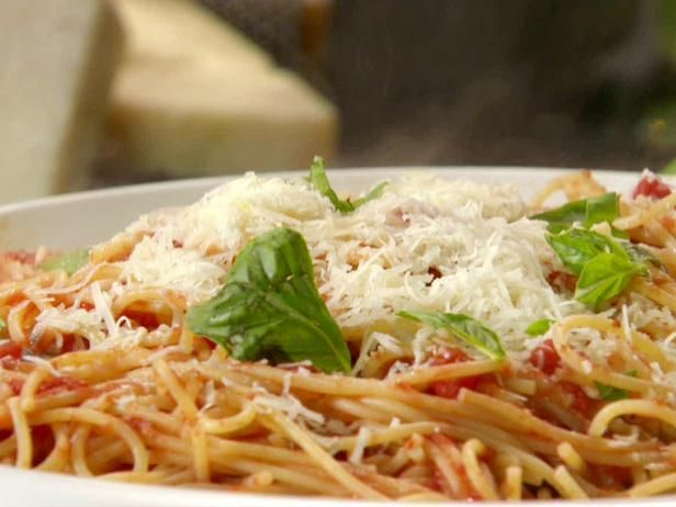 Buttery Tomato Spaghetti Recipe-very basic. Kids gobbled it up.