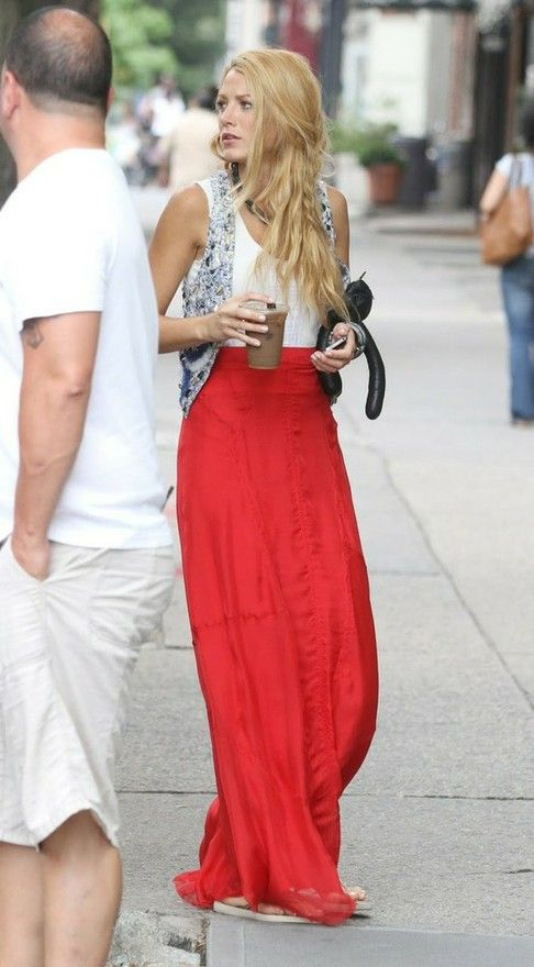 Not only is this Blake Lively aka Serena Van Der Woodsen, this outfit is perfection. Henceforth, she is my bitch.