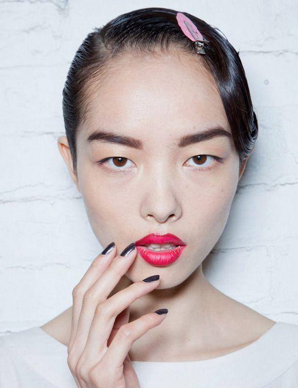 Jason Wu black nails + red lips