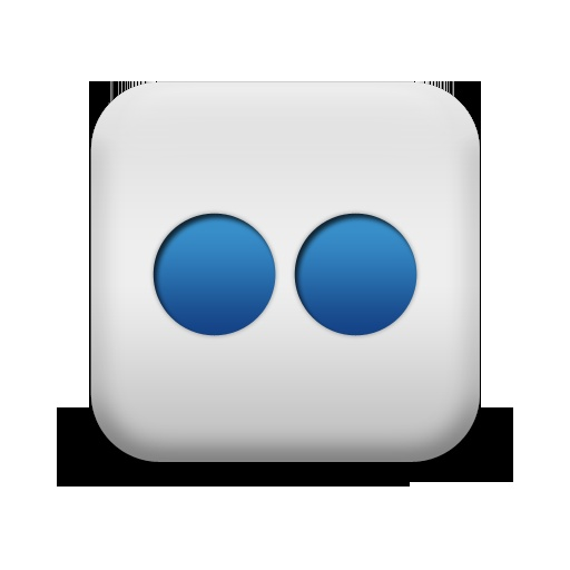 Flickr Icon from the Matte Blue And White Square Icons Collection