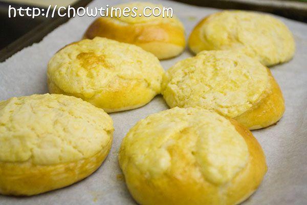 Chow Times » Pineapple Bun (Polo Bun) | Dessert/Sweets | Pinterest