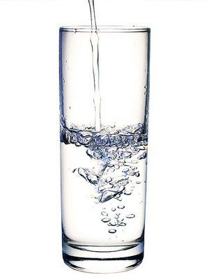 Great info about amount of water you should drink daily. Yes even I the winter.