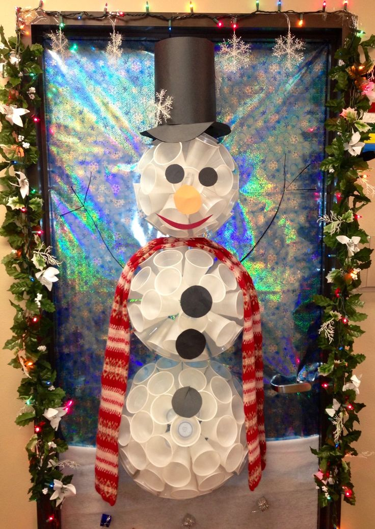 Christmas door idea from pinterest nursing home decorate for Nursing home christmas door decorations