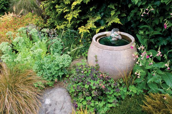Make your own garden water feature landscaping pinterest for Do it yourself water features