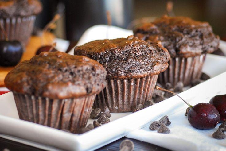 Vegan: Chocolate Cherry Bomb Muffins | {vegan desserts} | Pinterest
