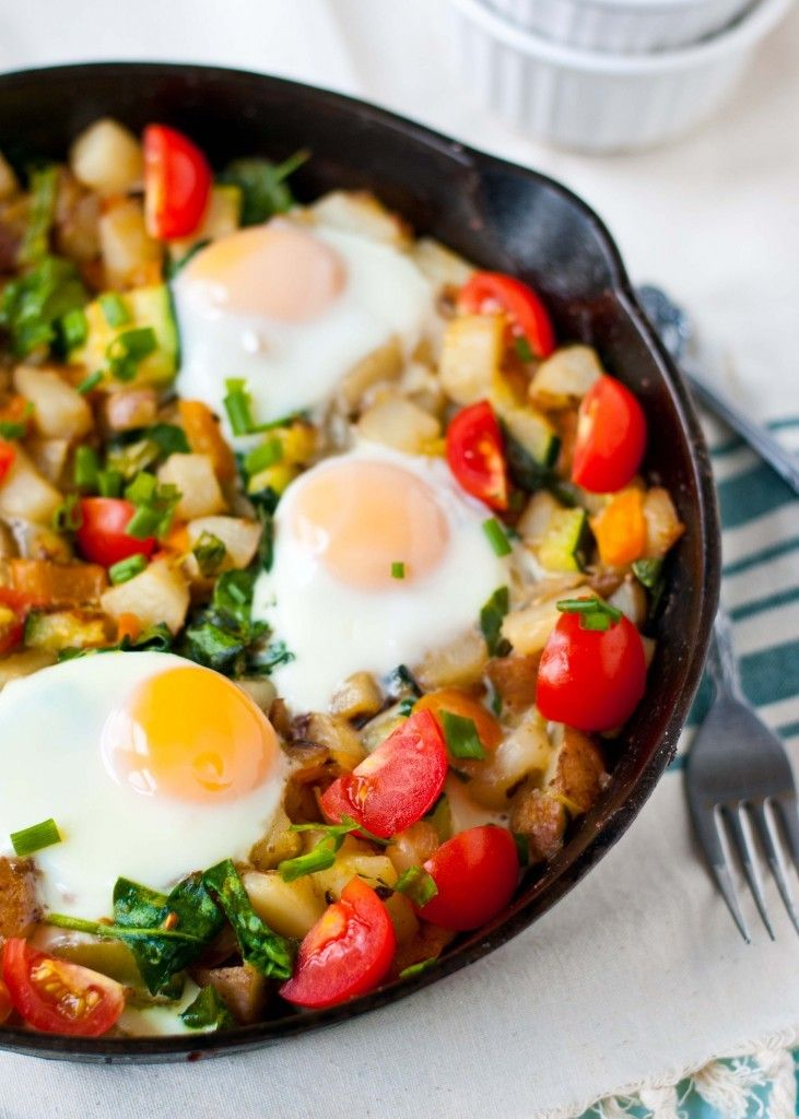 ... healthy breakfast hash packed with potatoes, bell pepper, and spinach