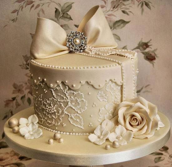 Lace Piping Cake Decorating : lace piped wedding cake Cake Decorating Pinterest