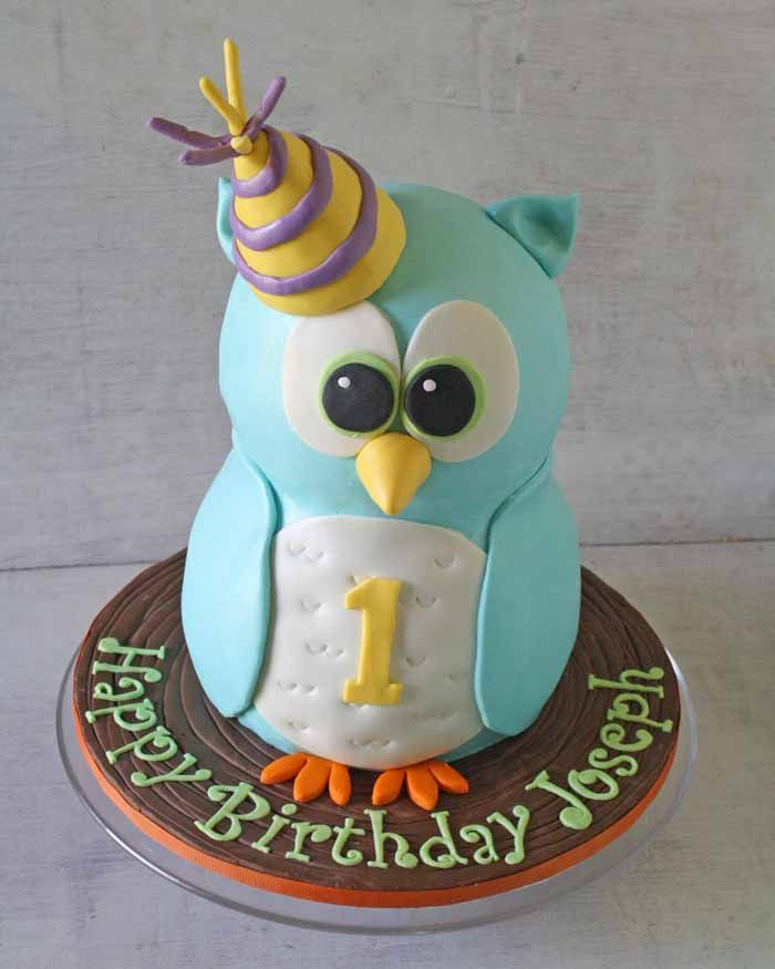 Part 1: How to Make a Standing Owl Cake • CakeJournal.com