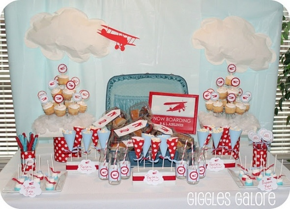Airplane baby shower theme beautiful bouncing babies for Airplane baby shower decoration ideas