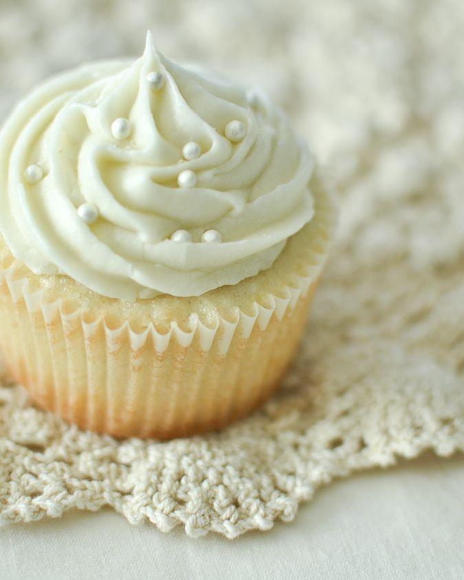 Maurine Dashney: Basic Cream Cheese Frosting
