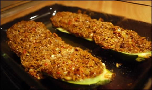 Zucchini stuffed with mushrooms You have to try it. It turned out ...
