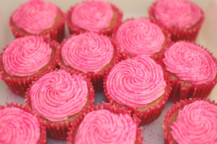 Pinkie for Pink: Strawberry Cupcakes | Cupcakes, Cakes & More | Pinte ...