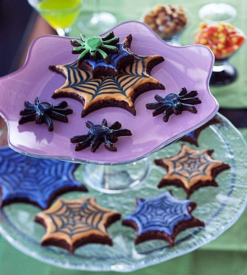 Spooky Spider Cookies Cut chocolate sugar cookies into a web shape ...