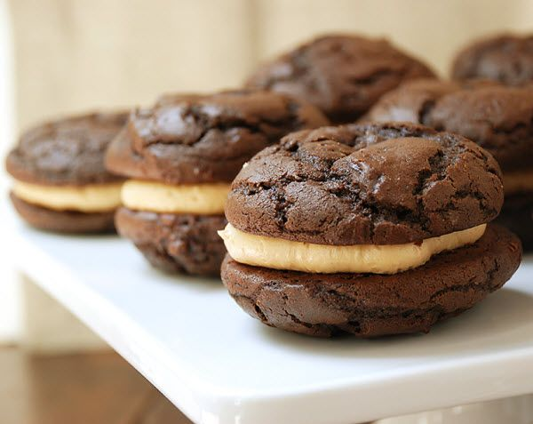 Chocolate Peanut Butter Whoopie Pies | Yummy | Pinterest