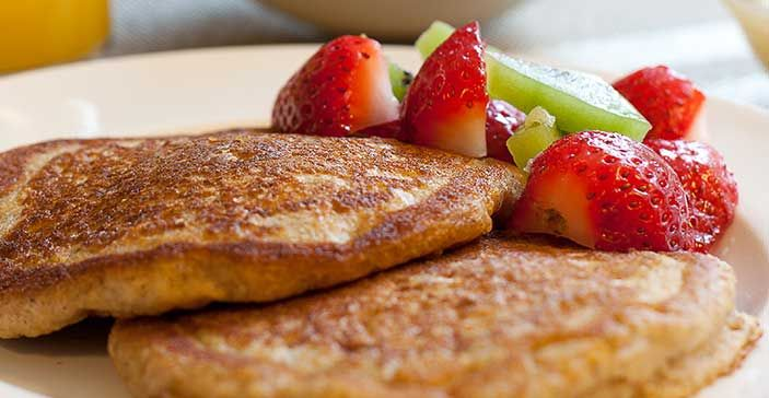 These whole wheat apple spiced pancakes are sure to be your new ...