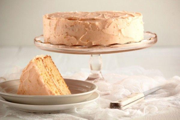 Grapefruit cake with grapefruit butter cream frosting. I am so gonna ...