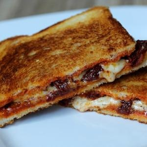 ... : Grilled Cheese Sandwich with Sun-Dried Tomatoes and Harissa