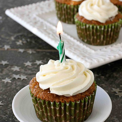 Carrot Ginger Cupcakes with Cream Cheese Frosting | Recipe