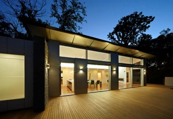Skillion roof architecture off grid dreams pinterest for Skillion roof house designs
