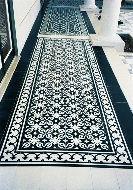 terras zwart wit  Badkamertegels / tiles  Pinterest